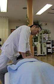 背中の痛みはこんな治療をします