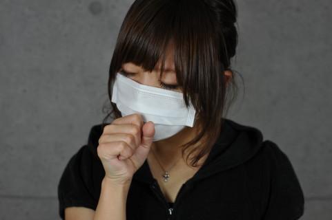 脊髄、脊椎、背骨が硬いと咳やぜんそくアレルギーの原因にも。