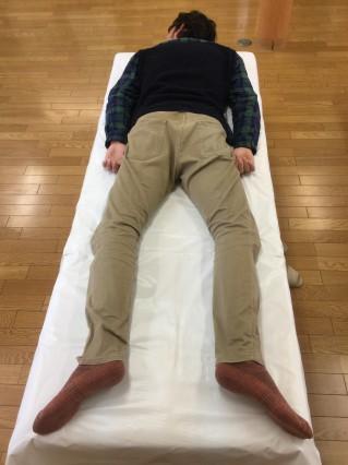 腰痛施療を行えば、骨盤矯正も同時に行われるまさに一石二鳥の施術です。