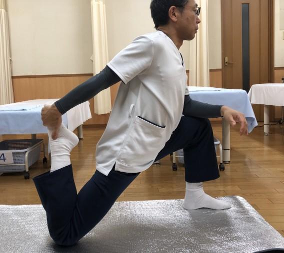 ハムストリングス ストレッチ体操