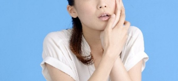あごこり・顎の痛み(顎関節症)は、スマホやパソコンから誘発!この時期受験生にも。