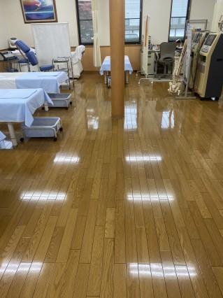 当院の床がまたまたピッカピカになりました~(^^♪